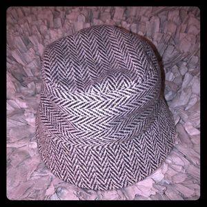Xhilaration Houndstooth Bucket Hat